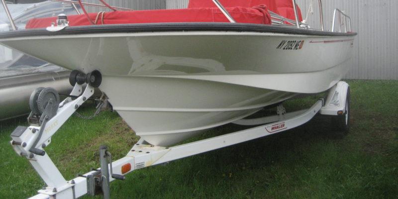 2009 Boston Whaler 19′ Montauk
